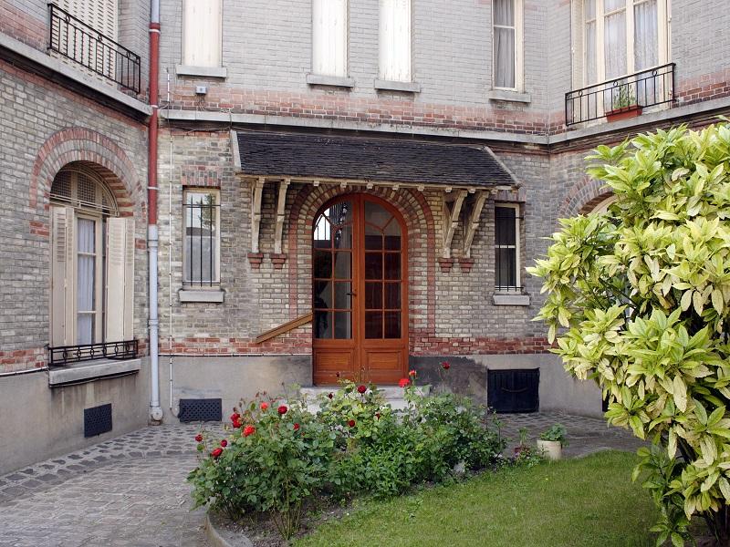 Entrée d'immeuble - cité-jardin Blumenthal