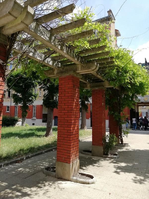 Visite de la cité-jardins de Suresnes : art et loisirs